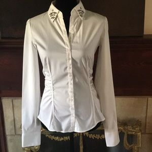 🦊 New York & Co classy white blouse. Stretch.